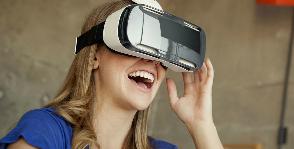 Samsung выпустила очки виртуальной реальности для смартфона