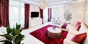 Красно-белая гостиная: дизайнер Катерина Антонович