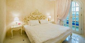 «Дворцовый стиль» для спальни в новостройке: дизайнер Мария Василенко