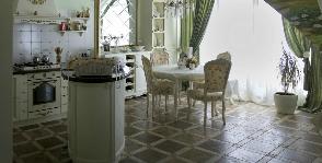 Кухня в итальянском стиле: дизайнеры Елена Карпенкова и Иван Урека