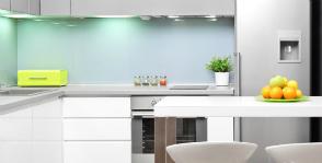 REHAU украшает кухню алюминием