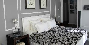 Интерьер спальни в серых тонах: дизайнер Мария Синельникова