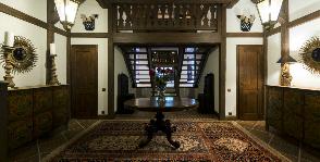 Холл в доме-шале: дизайнер Татьяна Сорокина