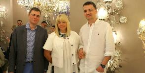 Цветущие люстры Марины Путиловской