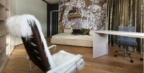 Современная динамика в интерьере гостиной:  дизайнеры Евгений и Ирина Патрушевы