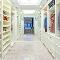 Как лучше разместить гардеробную: 8 вариантов планировки
